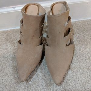 Pointed Toe Cut-Out Cream Heels by Raye size 7